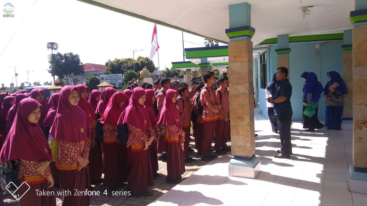 Outdoor Study di Stamet Lampung