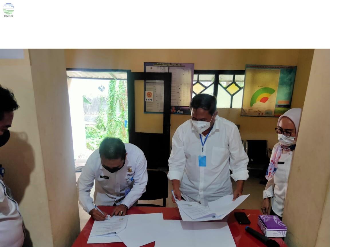 Penandatangan PKS BMKG Juanda dengan BPBD Kabupaten Mojokerto