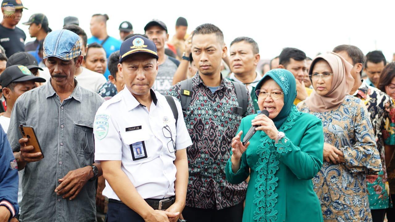 BMKG Tanjung Perak Bersama Walikota Surabaya Gelar Sosialisasi Cuaca Ekstrem Bagi Nelayan dan Warga Pesisir