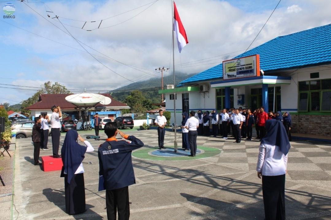 Upacara Peringatan Hari Meteorologi, Klimatologi, dan Geofisika ke-72 Tahun 2019 di Lingkungan BMKG Sumatera Barat