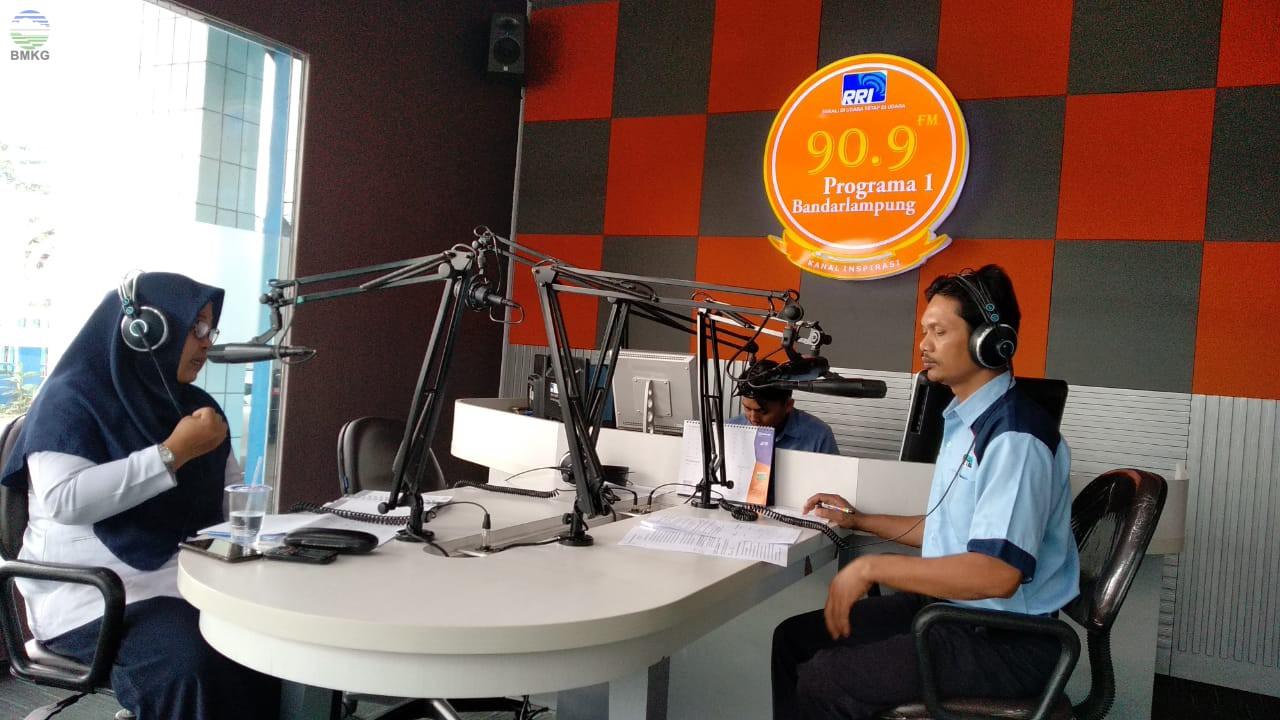 Dialog Inter Aktif Penanganan Pasca Tsunami Selat Sunda di Pro 1 RRI Bersama BMKG Lampung