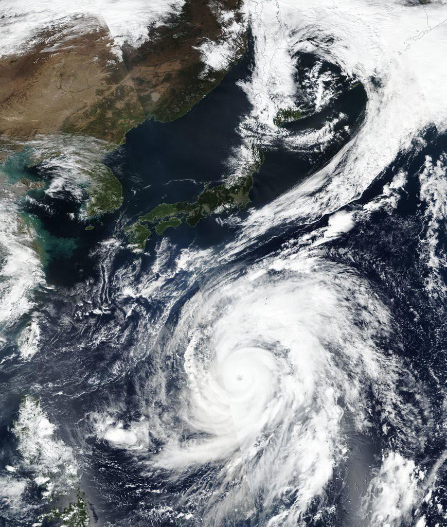 Typhoon HAGIBIS Bergerak Meninggalkan Daratan Jepang dan Tidak Berpengaruh Terhadap Kondisi Cuaca di Indonesia