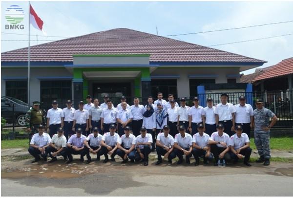 Kunjungan Siswa PT. NAM Flying School Pangkalpinang