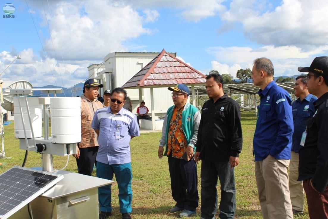 Deputi Klimatologi Kunjungi Stasiun Pemantau Atmosfer Global Palu