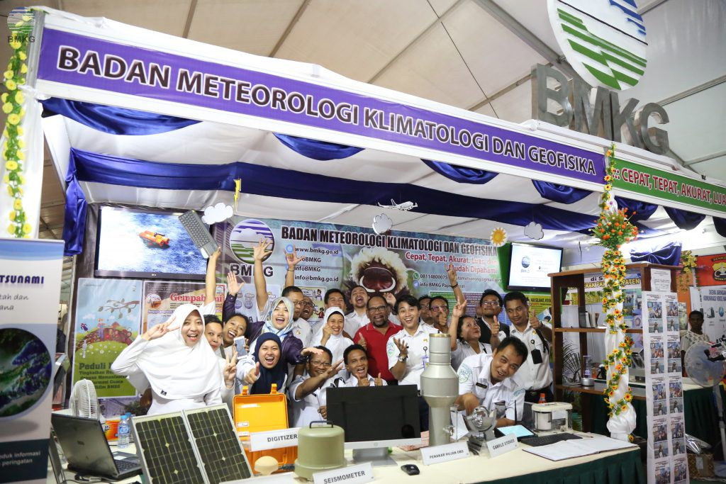 BMKG Wins the Best Booth Award in Disaster Risk Reduction (DRR) Week 2017