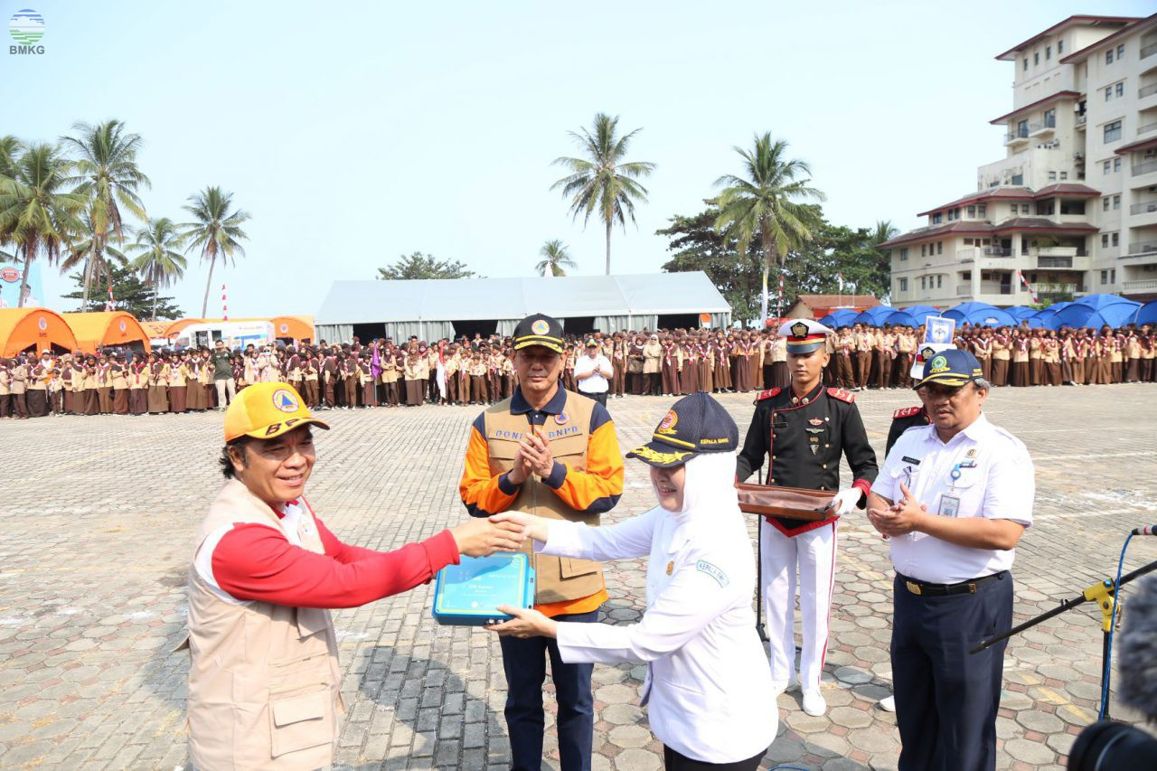 BMKG Serahkan Alat Deteksi Gempabumi Kuat Kepada Pemprov Banten