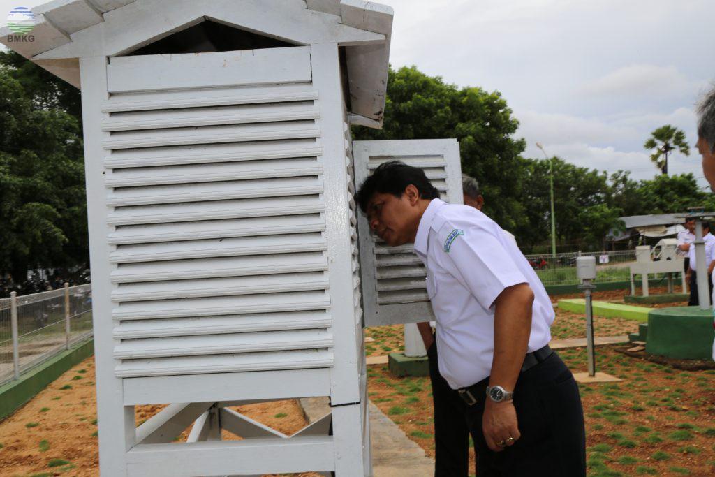 Deputi Bidang Meteorologi BMKG Kunjungi Stasiun MKG Wilayah Kupang