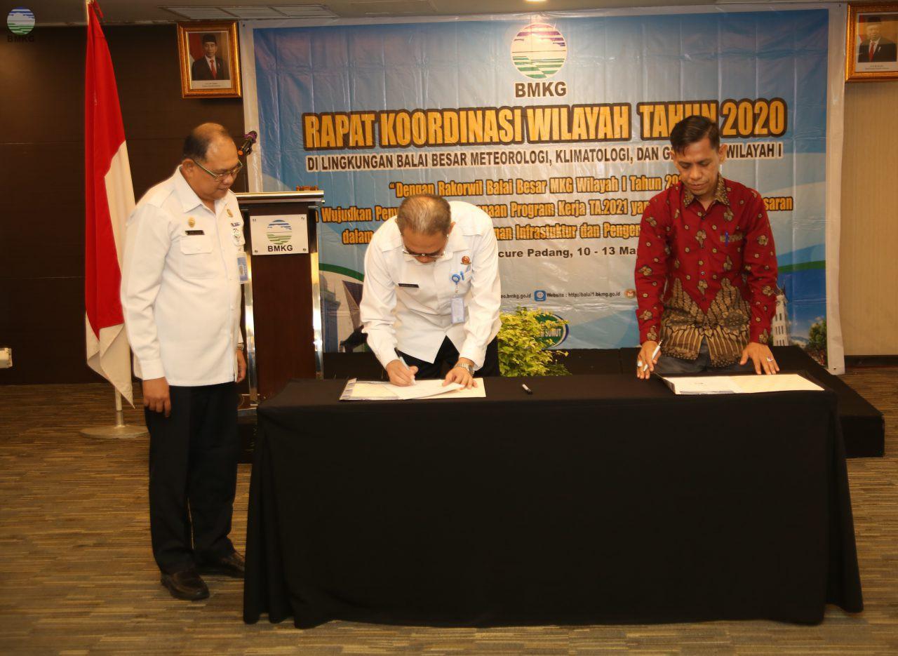 Penandatangan Perjanjian Kerja Sama BMKG dengan Pemerintah Daerah Kota Padang