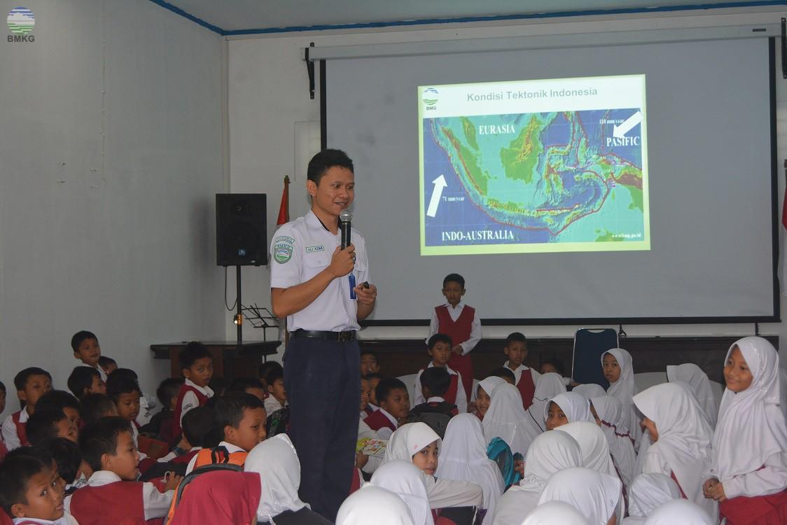 Kunjungan SD IT Permata Hati Banjarnegara ke Stageof Kelas III Banjarnegara