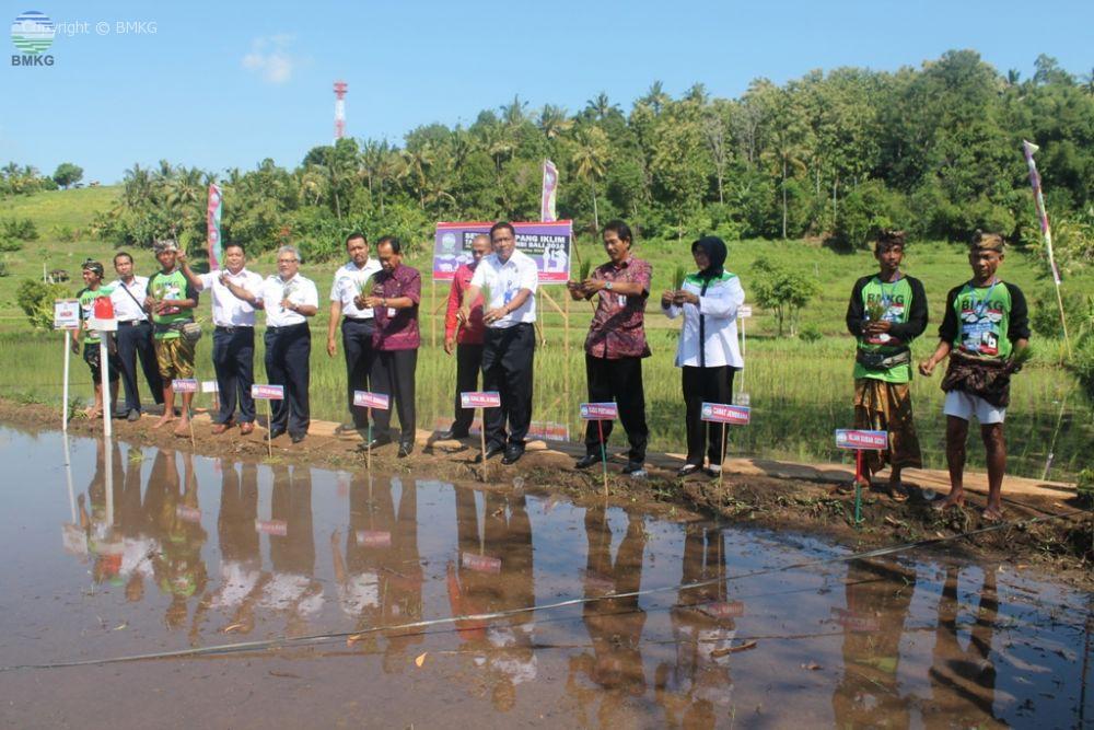 Pembukaan Sekolah Lapang Iklim Tahap 3 Provinsi Bali Tahun 2016