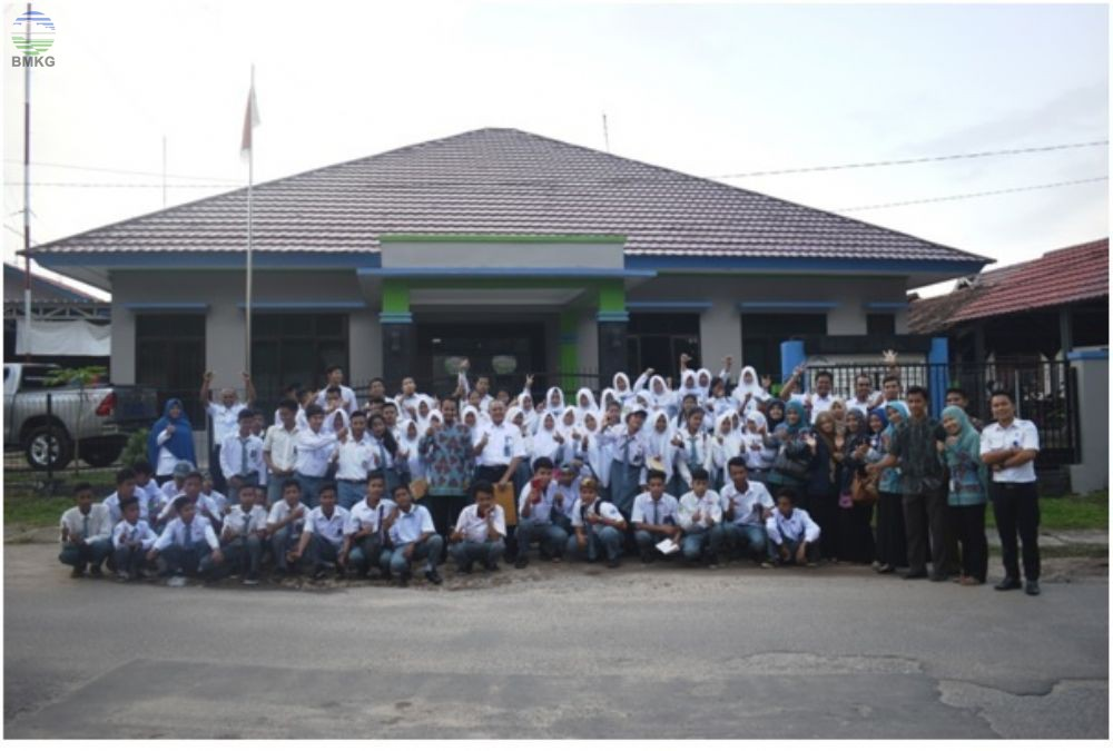 Kunjungan Siswa Siswi SMK Negeri 1 Mendo Barat