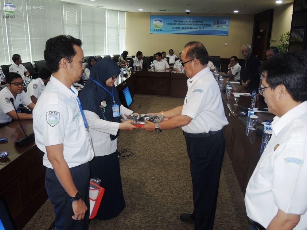 Peningkatan Kompetensi Personel Lab Kalibrasi