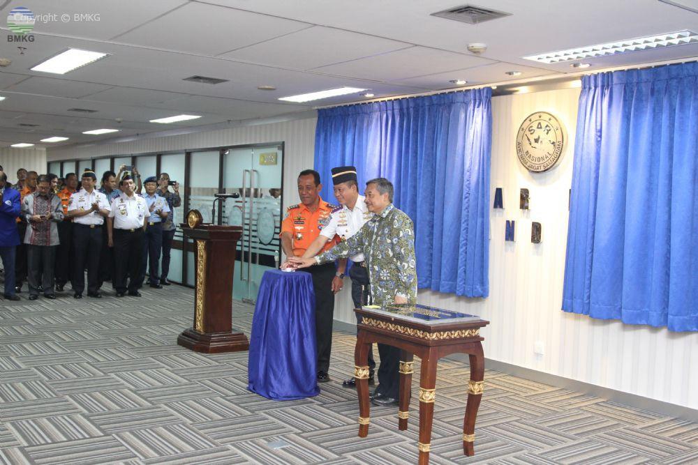 Kepala BMKG Dampingi Menhub Resmikan Command Center BASARNAS