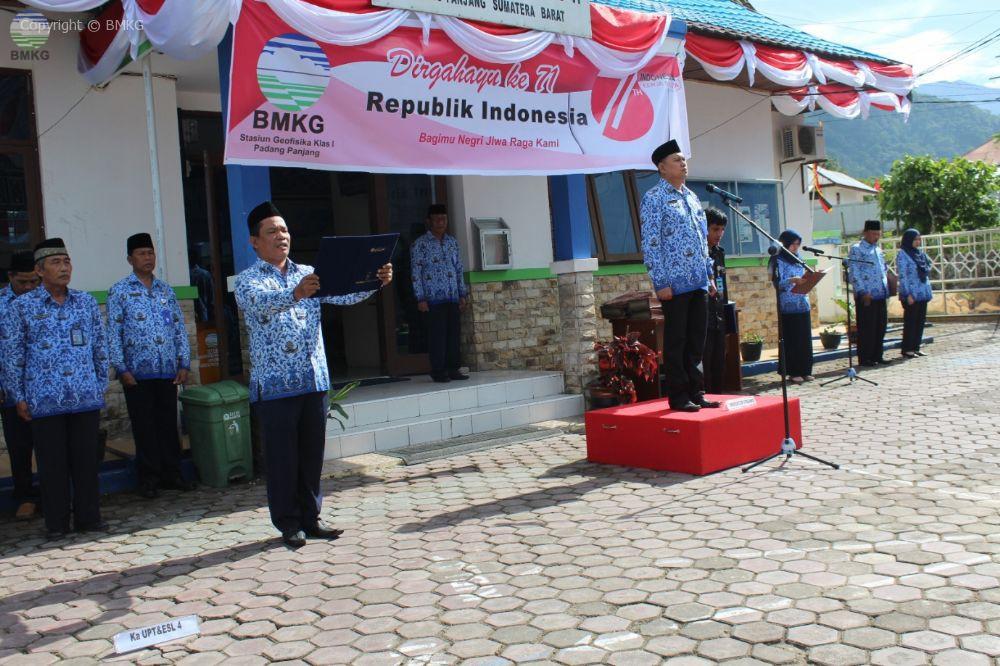 UPT BMKG se-Sumatera Barat Gelar Upacara Peringatan HUT Kemerdekaan RI ke 71