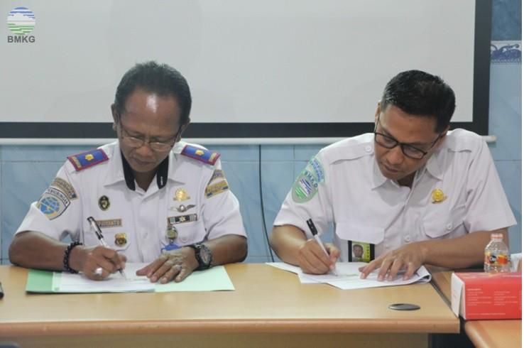 MoU Stamet Maritim Perak II Surabaya dengan Kesyahbandaran dan Otoritas Pelabuhan