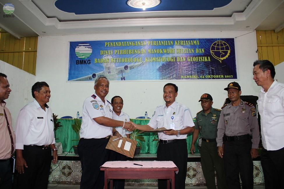 Penandatanganan Perjanjian Kerjasama Antara Dishub Manokwari Selatan - BMKG