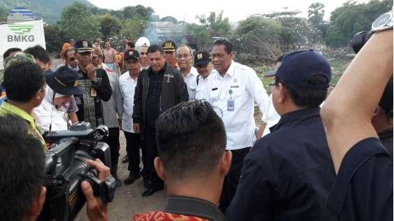 Komisi V DPR-RI Kunjungi Lokasi Dampak Banjir Bandang Di Kota Bima