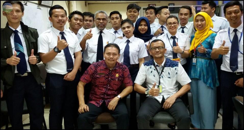Stamet BMKG Soekarno-Hatta Terima Kunjungan FOO Garuda