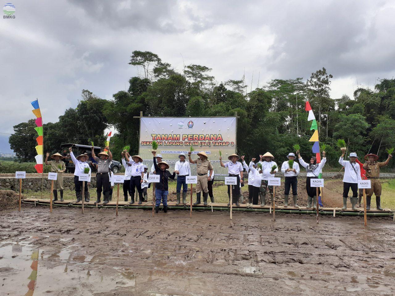 Tanam Perdana SLI Tahap 3 Kab. Temanggung: Siap Tingkatkan Kemampuan Petani dalam Mengantisipasi Iklim Ekstrim, dalam Rangka Dukung Ketahanan Pangan