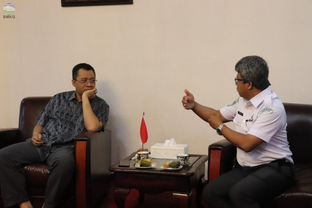 Gubernur NTB Auidiensi dengan Kepala Stasiun Geofisika Mataram