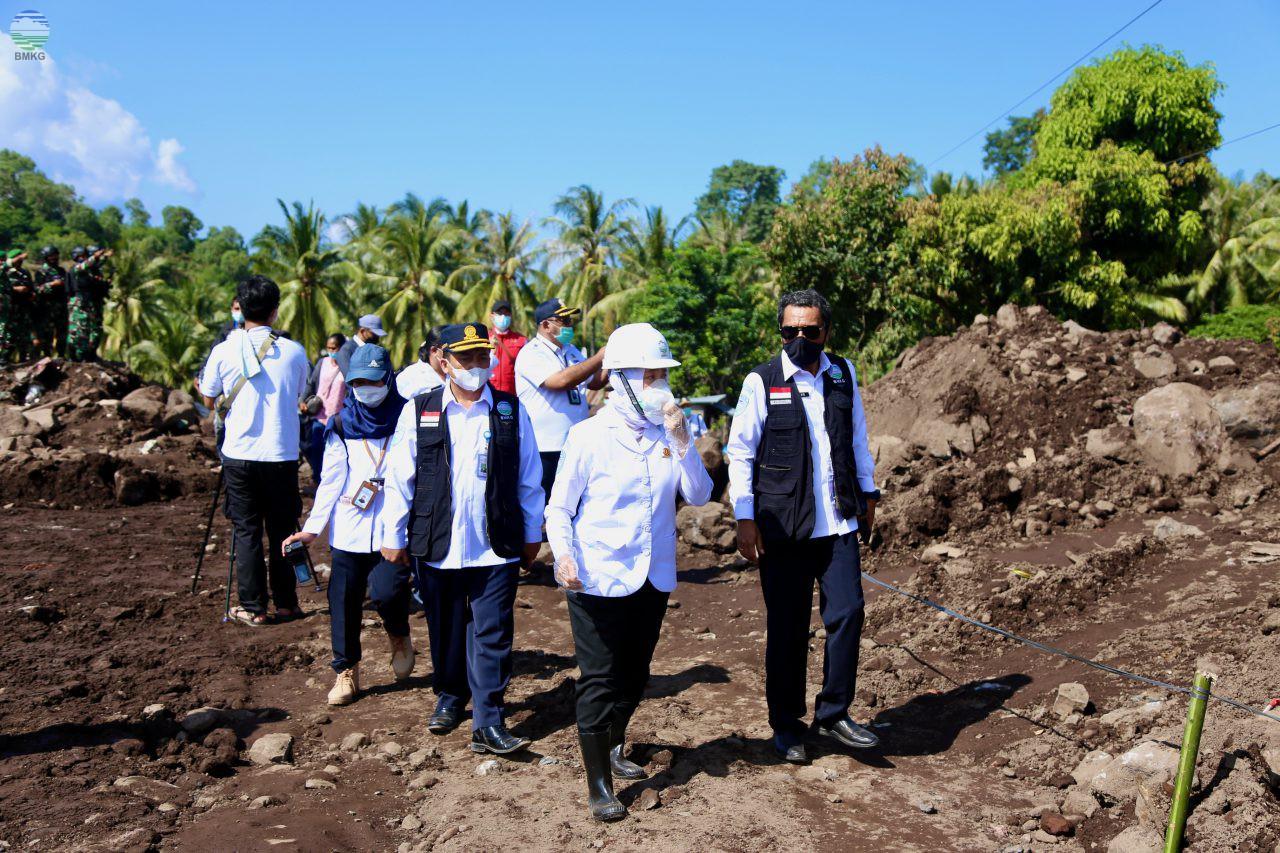 Kepala BMKG Tinjau Lokasi Terdampak Bencana Siklon Seroja di Flores Timur