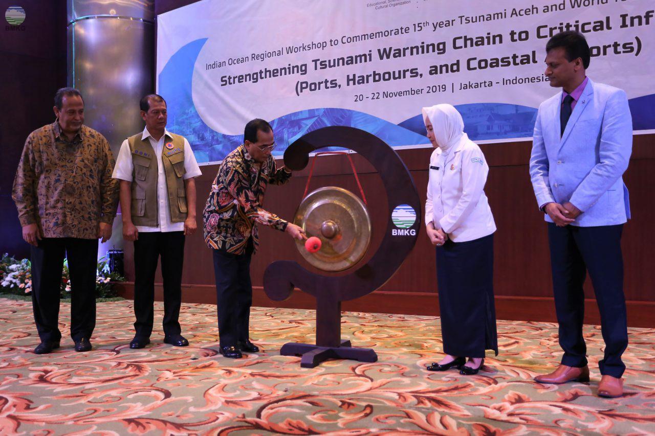 Peringatan 15 tahun Tsunami Aceh : Perkuat Sistem Early Warning tsunami Untuk Infrastruktur