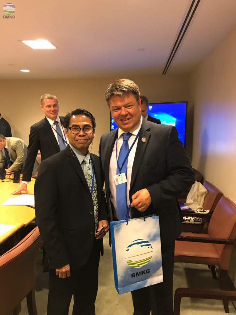 Pertemuan Singkat Sekretaris Utama BMKG Dengan Sekjen WMO