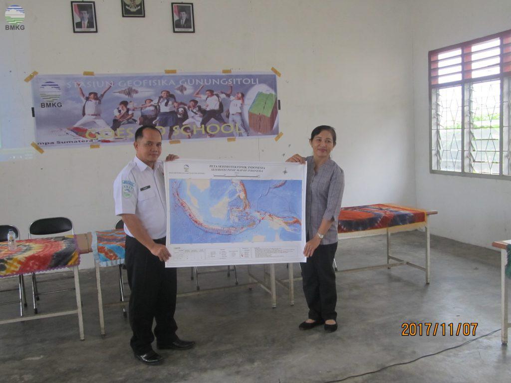 Stasiun Geofisika Gunungsitoli, melaksanakan kegiatan ``BMKG Goes To School``