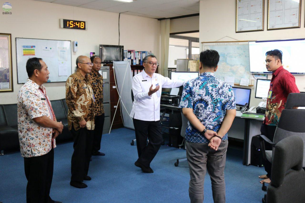 Kunjungan Kerja Sekretaris Utama BMKG di Stasiun Meteorologi Juanda Surabaya