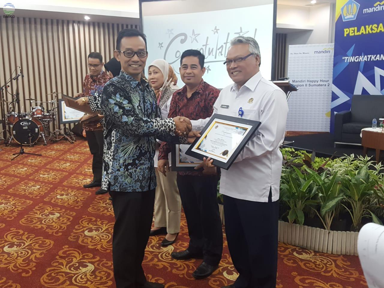 Penghargaan Kinerja Terbaik Pelaksanaan Anggaran Staklim Palembang