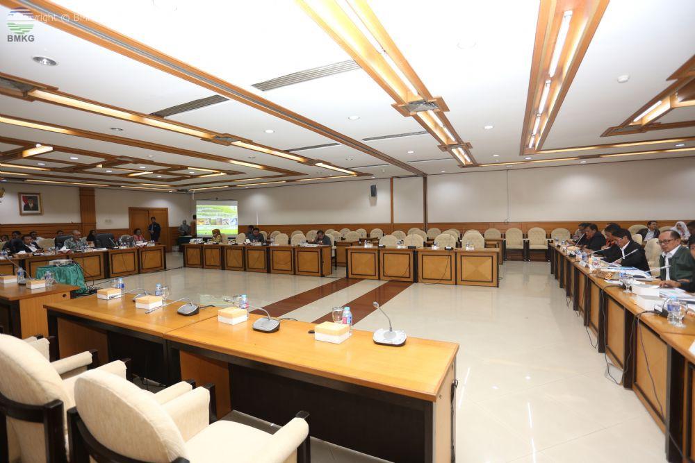 RDP Pembahasan Rincian Anggaran Untuk Fungsi dan Program Unit Organisasi Eselon I Badan dan Lembaga