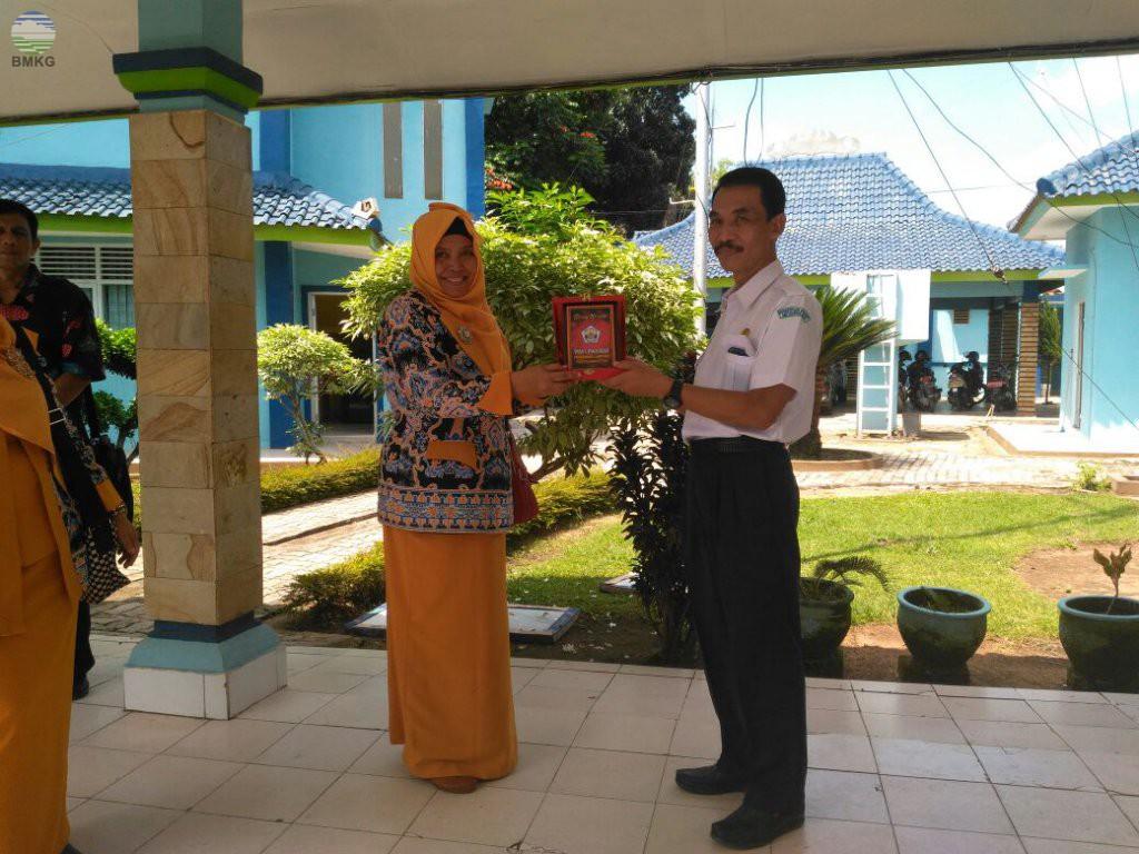 SMAN 1 Pagelaran Kab. Pringsewu Goes To Stamet RI 2 Lampung