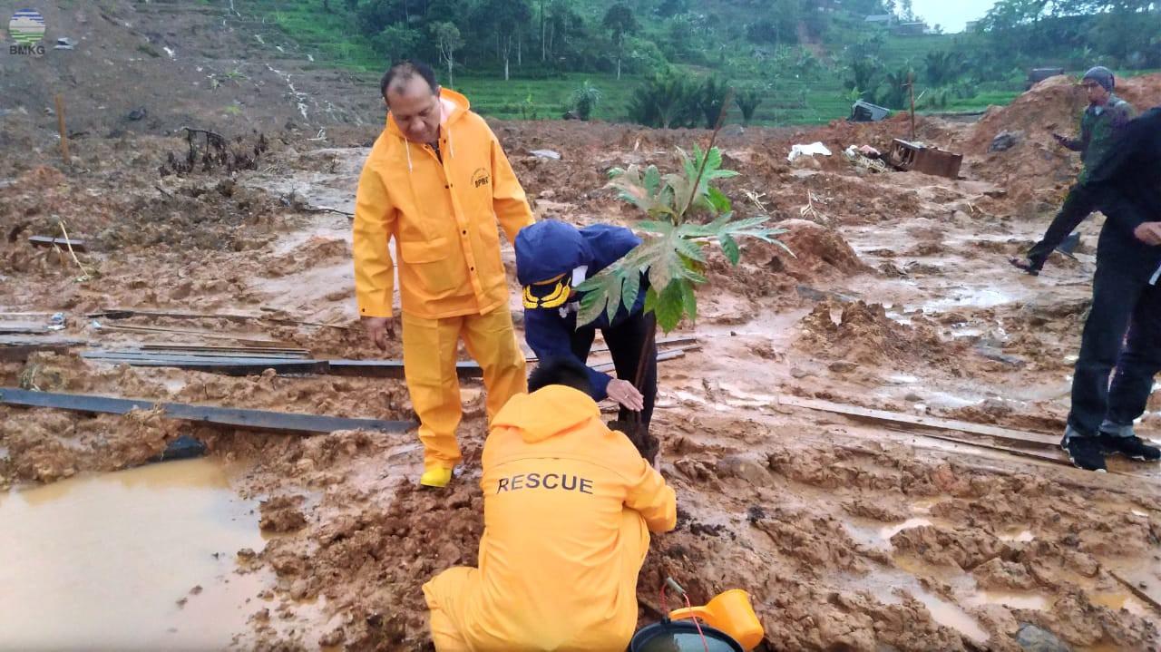 Curah Hujan Tinggi, BMKG Minta Masyarakat Cisolok Waspada Longsor Susulan