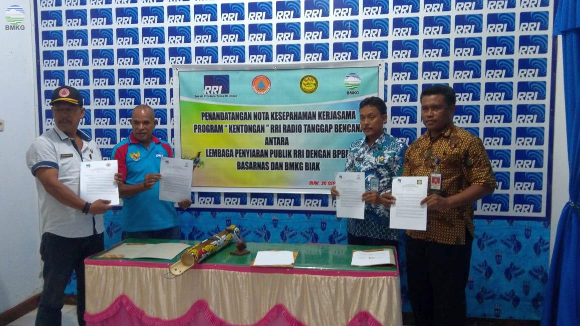 Penandatanganan Nota Kesepahaman Kerjasama Program Siaran Kentongan Tanggap Bencana Kabupaten Biak Numfor
