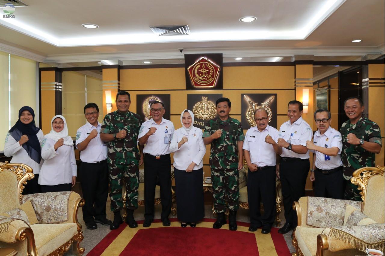 Perkuat Sinergi, BMKG dan TNI Jalin Kerja Sama