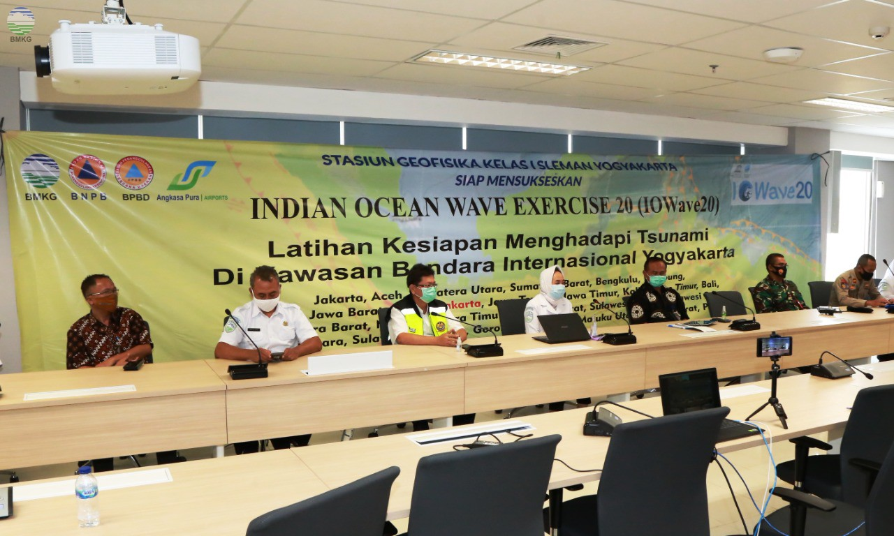BMKG Bersama Bandara Internasional Yogyakarta Gelar Latihan Evakuasi Gempabumi dan Tsunami