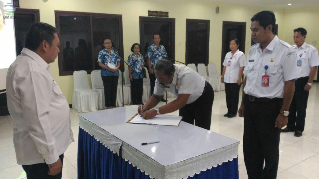 Serah Terima Jabatan dan Pelepasan Pegawai Purnabhakti di BBMKG Wilayah III Denpasar