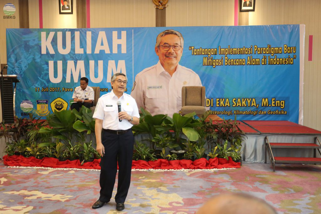 Kepala BMKG Memberikan Kuliah Umum Kepada 120 Mahasiswa Papua