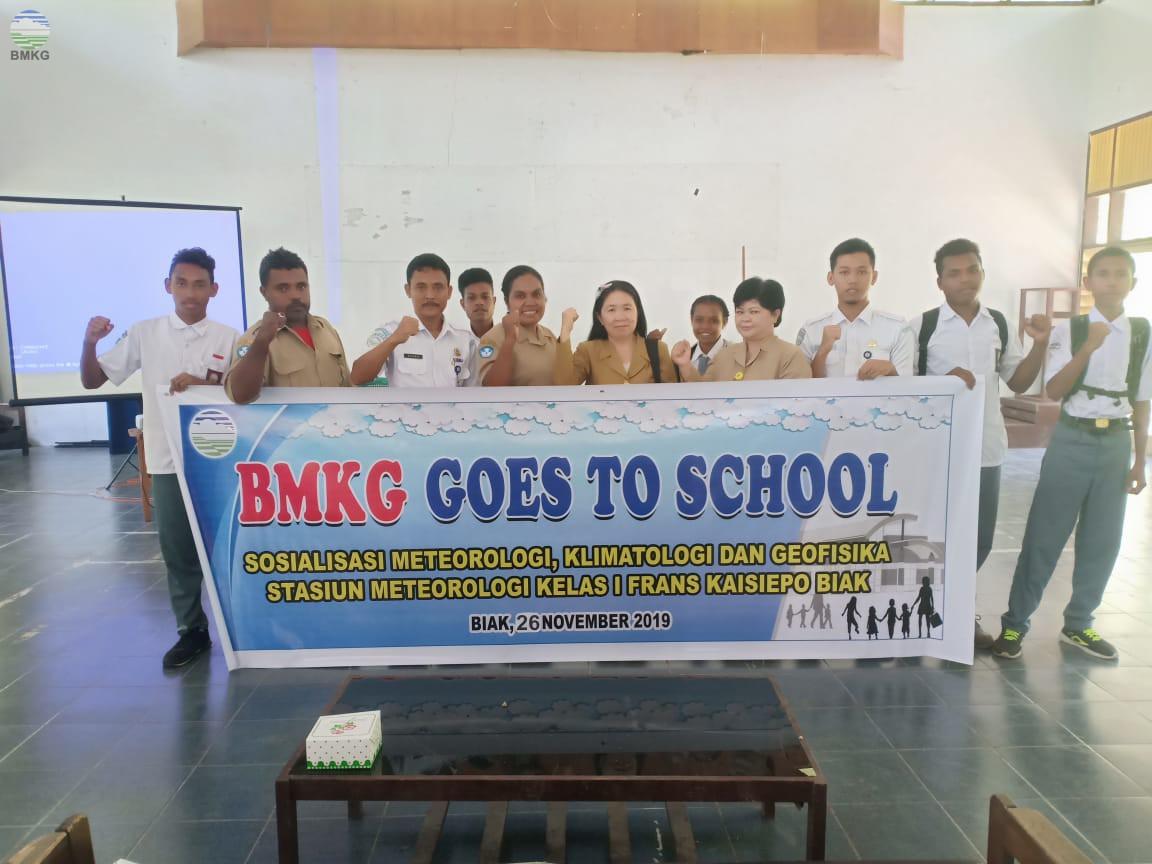 Stamet Biak Sambangi SMK Negeri I Bosnik