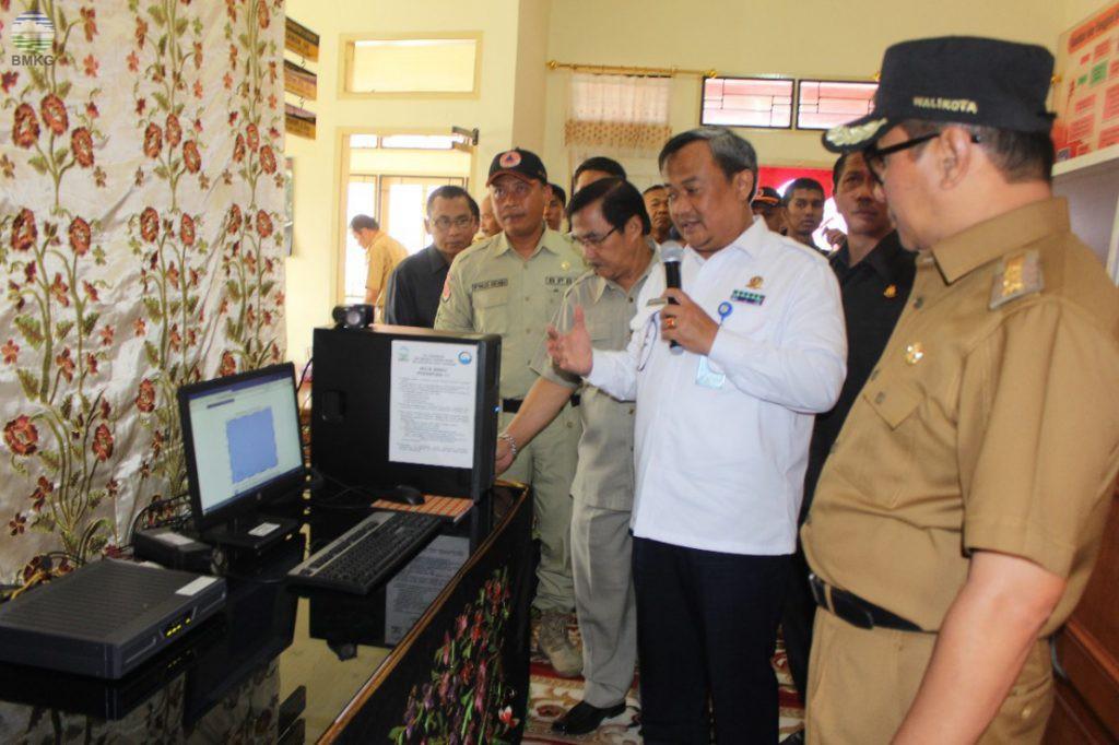 Walikota Bukittinggi Meresmikan WRS BMKG untuk BPBD Kota Bukittinggi