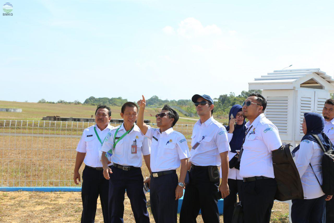 Kunjungan Kerja Deputi Bidang Inskalrekjarkom ke UPT Meteorologi Hang Nadiem