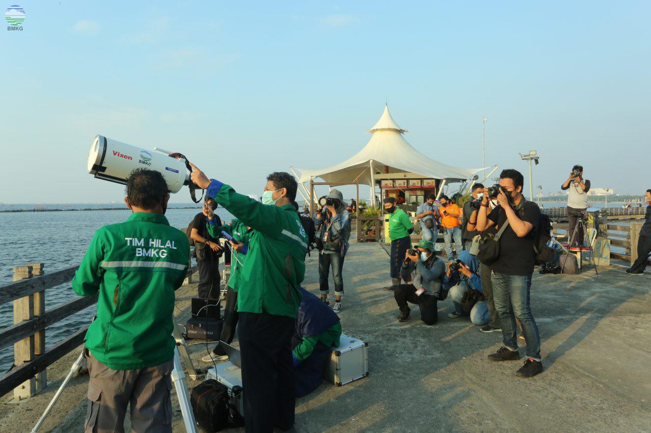 Tim PSGT Lakukan Pengamatan Hilal di Pantai Karnaval Ancol