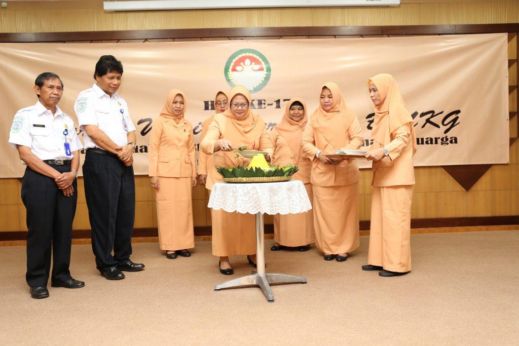 Seremonial Peringatan HUT Ke 17 Tahun Dharma Wanita Persatuan