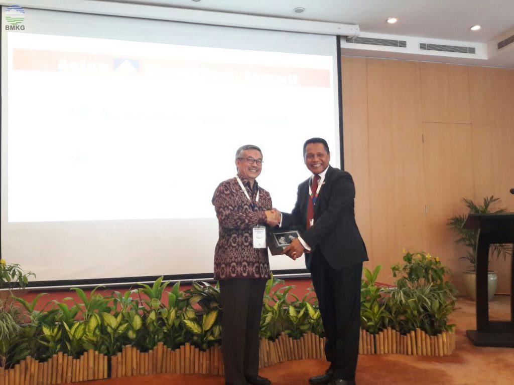 Kunker KBMKG Ke Stageof Bandung dan Sebagai Narasumber di Asean Reinsurance Summit 2017