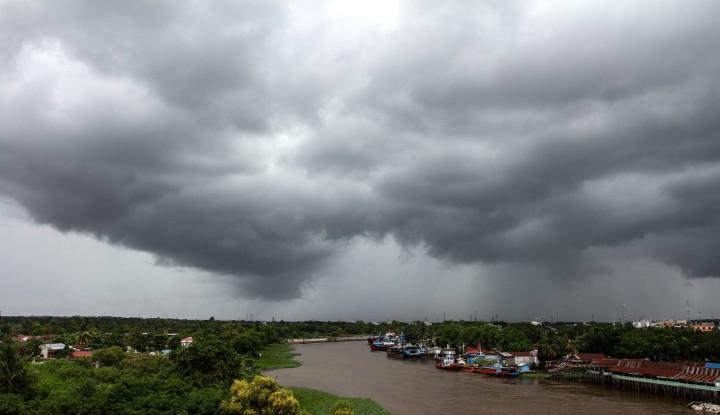 Waspada Potensi Cuaca Ekstrem di Wilayah Indonesia dalam Sepekan ke Depan (3-9 April 2021)