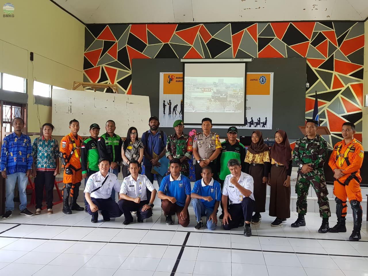 Sosialisasi Meteorologi, Geofisika, dan Gladi Gempabumi di Kabupaten Sarmi