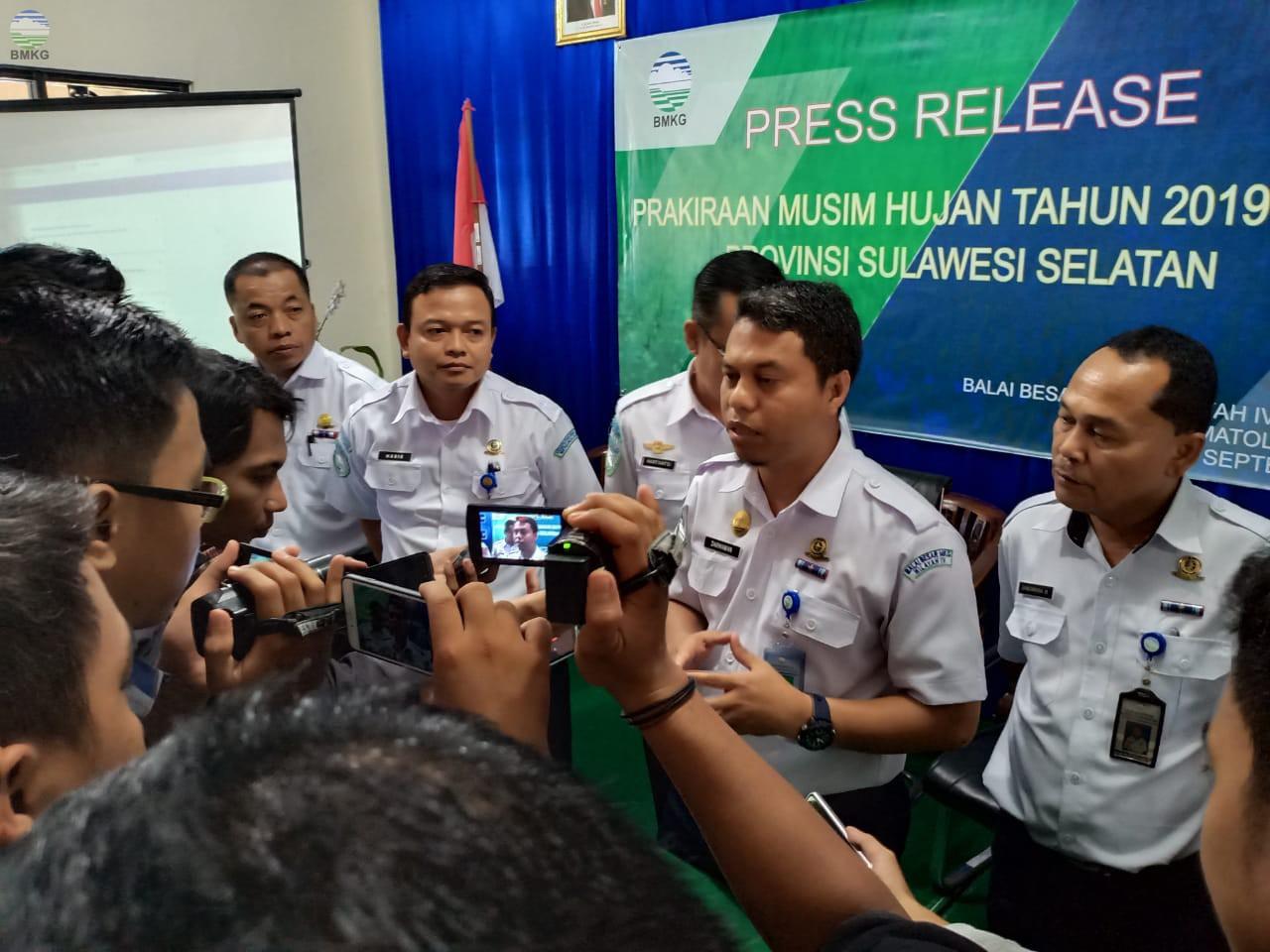 Konferensi Pers Prakiraan Awal Musim Hujan Tahun 2019/2020 di Provinsi Sulawesi Selatan
