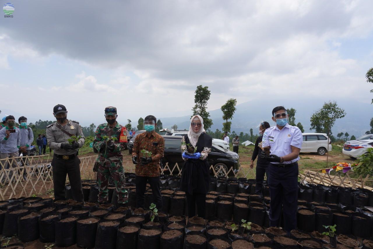 Sekolah Lapang Iklim Operasional Provinsi Jawa Barat Tahun 2020